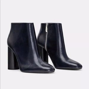 ZARA NAVY BLUE WIDE HEELED ANKLE BOOTS 7128/301